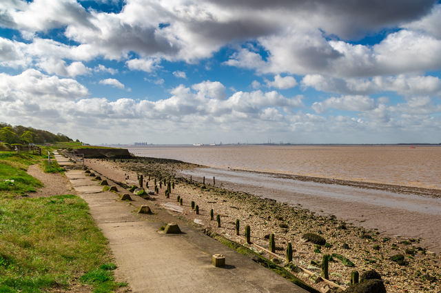 Beach near Paull Tower. Image by Wild Placebos (via Shutterstock).